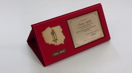 Oprawa okładkowa z grawerunkiem, tabliczką pamiątkową i dedykacyjną